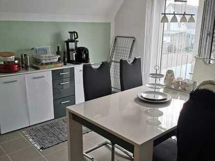Studioähnliche 3,5 ZKB Balkon, Garten, Garage in einem ZFH. Wohn- u. Nutzfl. ca. 167 m². Bezugsfrei