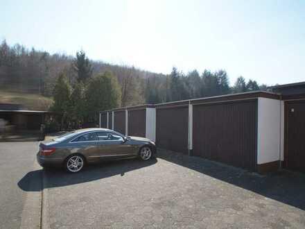 6 Garagen je 3x8 m auf 315 qm Grund in ruhiger Lage von Gründau OT, schöne Anlageimmobilie