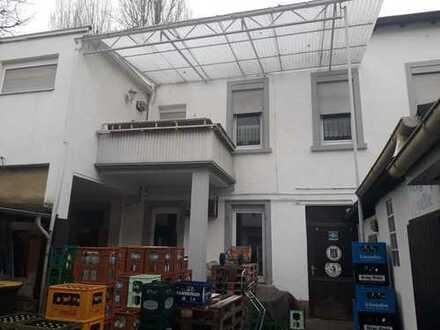 Sonderpreis: Modernisierungsbedürftiges Einfamilienhaus im Zentrum zum Preis einer Wohnung!!