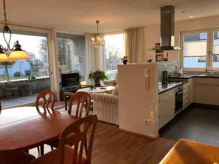 Stilvolle, geräumige und gepflegte 3-Zimmer-Wohnung mit Balkon und EBK in Nonnenhorn am Bodensee