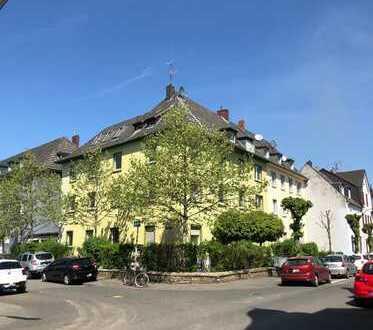 AUFGEPASST!! Helle & Ruhige 3 Zi.Whg. in Dellbrück, Balkon mit Gartenzugang, Bad mit Fenster