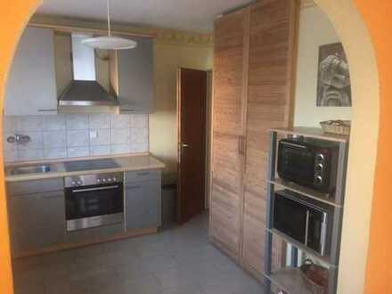 Gepflegte 5-Zimmer-Wohnung mit Balkon und EBK in Wörth am Rhein