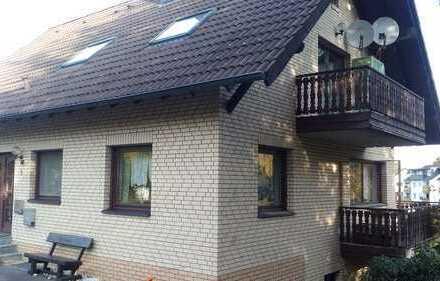 Preiswerte, gepflegte 4-Zimmer-Dachgeschosswohnung mit Balkon in Waldbröl