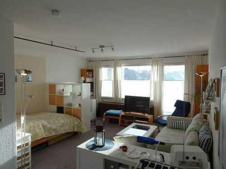 Schöne große 1-Zimmer-Wohnung mit Balkon und EBK in Elsfleth