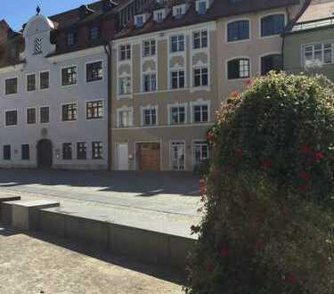 Frisch renoviert mit historischem Ambiente mitten in der Stadt am Rathausplatz