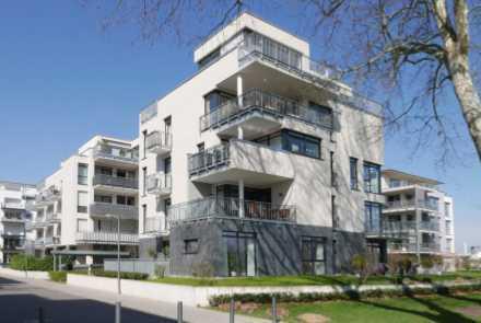 Wohnen am Rheinufer in neuwertiger Wohnung, mit Blick auf den Rhein