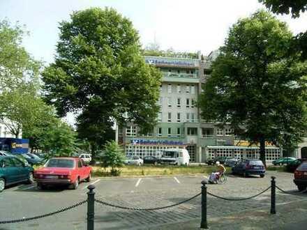 Wohnen am Wittenbergplatz *Balkon*Wannenbad*Duschbad*EBK*Laminat*Abstellraum*Keller*Aufzug