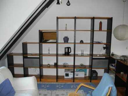 Sehr schöne möbilierte 2,5 Zimmer-Dachgeschosswohnung in Bergisch Gladbach Schildgen