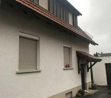 Freistehendes Haus mit sieben Zimmern und großen Garten in Weilheim/Teck