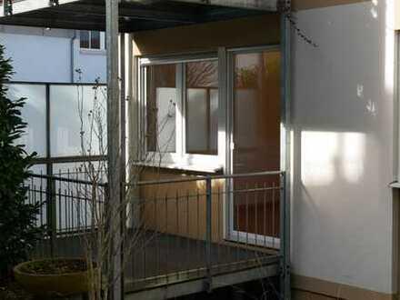 Helle 2-Zimmer-EG-Wohnung mit Südbalkon in Unterhaching