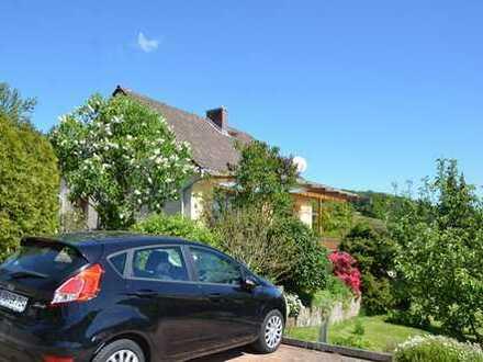 Sonnenhaus mit tollem Ausblick! (fast alles Neu) in toller Lage, Garten, Garage, etc.
