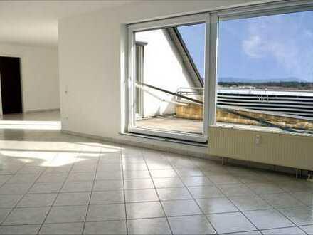 Traumhafte Eigentumswohnung mit Dachterrasse, Fernblick und Pkw-Garagenplatz