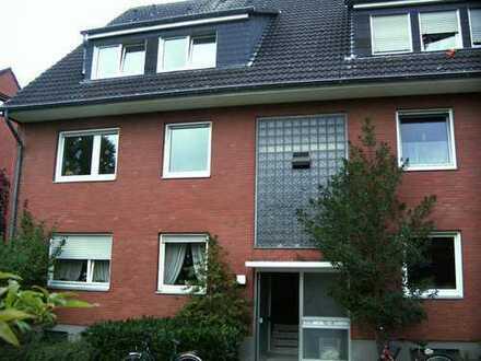 Gut geschnittene 3 Zimmer Wohnung Küche,Diele,Bad, Balkon,Garage