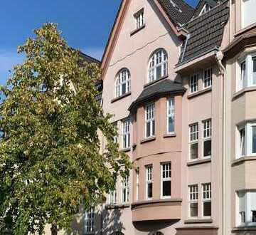 Modernisierte 3-Zimmer-Altbau-Wohnung mit Balkon in Mülheim an der Ruhr