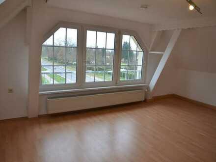 Morl - am Rande der Stadt: Schicke 2-Zimmer-Wohnung im 3-Familien-Haus