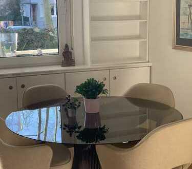 Schöne, modernisierte 4-Zimmer-Erdgeschosswohnung mit Balkon und Einbauküche in Neu-Isenburg