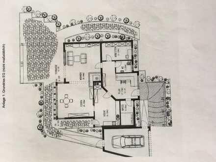 Gepflegtes Einfamilienhaus mit sieben Zimmern und EBK in Hersbruck, Hersbruck