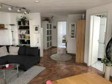 Sehr gepflegte 2-Zimmer-EG-Wohnung mit Terrasse und großem Garten