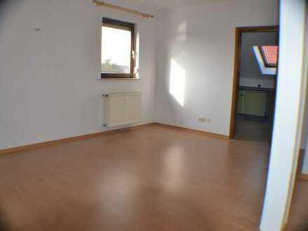 Schöne vier Zimmer DachgeschosswWohnung in Main-Kinzig-Kreis, Ronneburg