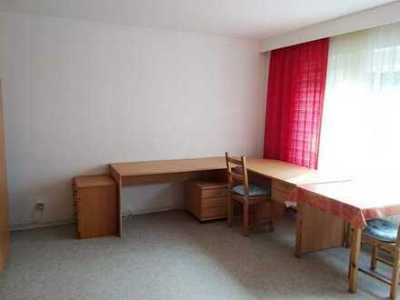 Möblierte 1-Zimmerwohnung nur an Studenten oder Wochenendheimfahrer zu vermieten!