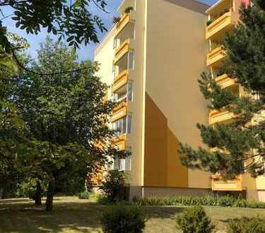Preiswerte, sanierte 3-Zimmer-Wohnung mit Balkon in Weimar