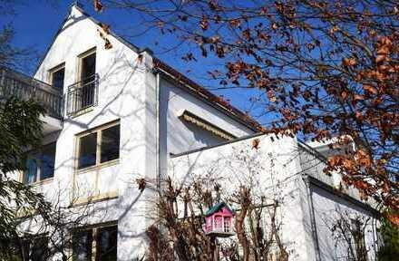 Große 2-Zimmerwohnung mit 35qm Dachterrasse in Top Lage zentrumsnah in Friedberg