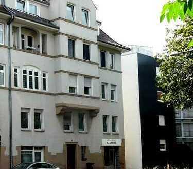 Schöne Altbauwohnung in Mehrfamilienhaus in zentraler Lage in Esslingen