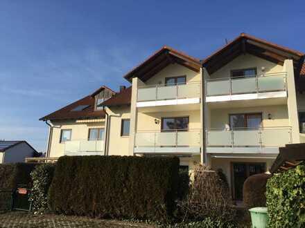 gepflegte 2-Zimmer-Dachgeschosswohnung mit Balkon in toller Lage in Stammham