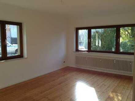 Freundliche, vollständig renovierte 2-Zimmer-Wohnung für Gartenliebhaber in Eschelbronn