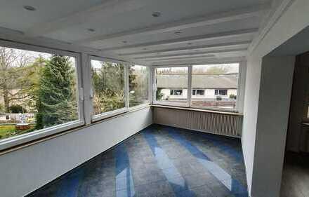 Erdgeschoss 2Zi. Wohnung mit Wintergarten und Gartenanteil in Komponistenviertel