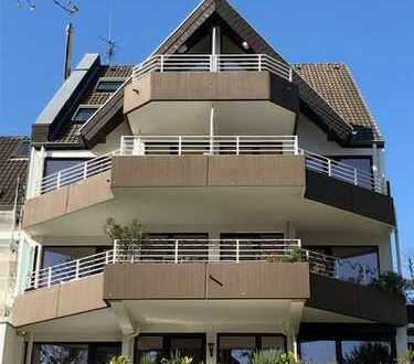 Schicke 2 - Zimmer Balkonwohnung (Südlausrichtung) mit TG-Stellplatz in Köln-Lindenthal (81 m²)