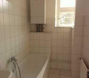 Vollständig renovierte 5-Zimmer, Küche, Diele, Bad Altbau Wohnung mit Balkon in Krefeld-Zentrum