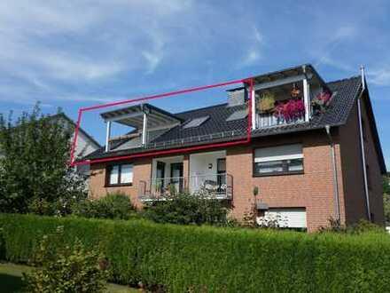 Erstbezug nach Sanierung: 2-Zimmer-Dachgeschosswohnung mit großem überdachten Balkon in Odenthal