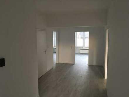 Modernisierte 3-Zi Whg. , 20 m² Terrasse, direkt am Mengeder Markt (Zentrum)
