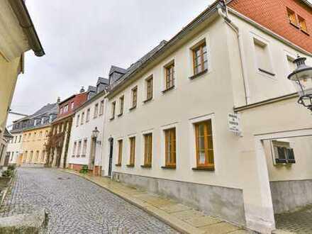 Preiswerte, vollständig renovierte 3,5-Zimmer-Maisonette-Wohnung mit Balkon in Zschopau