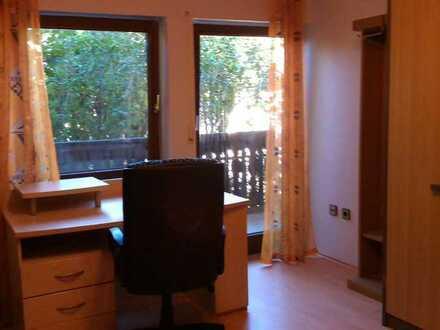 23 qm großes helles möbl. Zimmer mit Balkon frei
