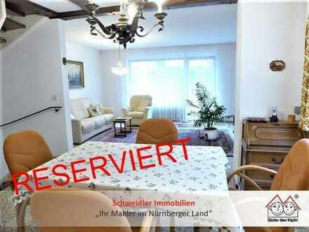 Familien aufgepasst!!! Gemütliches Reiheneckhaus mit 5 Zimmern, 2 Bädern & Garage in Rückersdorf