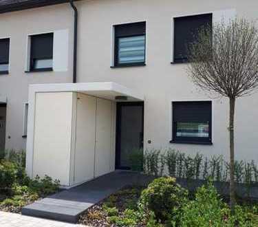 Neubau, großzügig geschnitten, fünf Zimmer, eigener Garten, Garage, in Bruchsal-Büchenau