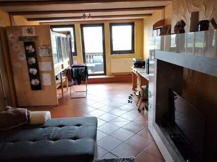 Dachgeschoss Wohnung mit großem Balkon