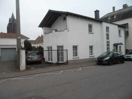 Einseitig angebautes Einfamilienhaus in Dillingen Saar
