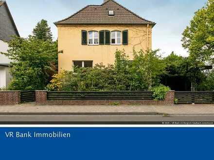 Leverkusen-Opladen: freistehendes Einfamilienhaus in bester Lage