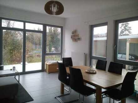 helle, großzügige 3-Zimmerwohnung in Karlsruhe Rüppurr, ruhige Lage, befristeter Vertrag bis 2023