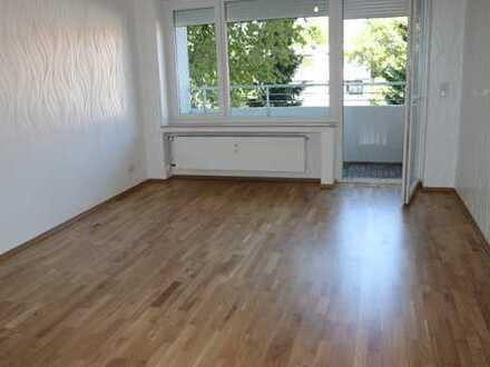 Erstbezug nach Sanierung mit EBK und Balkon: stilvolle 1-Zimmer-Wohnung in Hannover