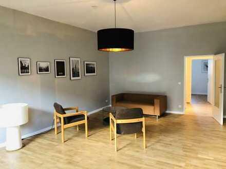 ***Helle Zwei-Zimmer-Wohnung mit neuer Möblierung***