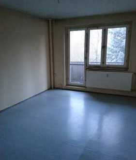 Super günstige 4-Zimmer-Wohnung frisch renoviert mit Balkon