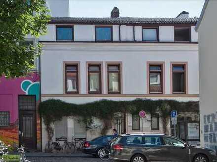 Schöne zwei Zimmer Wohnung in Bremen, Steintor