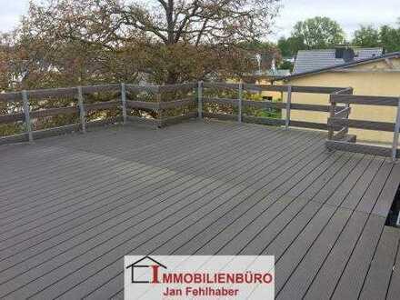 Dachterrasse und Einbauküche: Große 3-Zimmer-Wohnung im Herzen von Zinnowitz