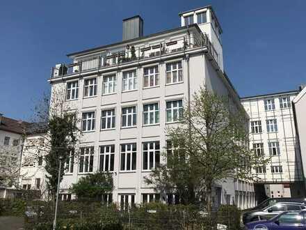 Großzügige Maisonette Wohnung mit Dachterrasse, direkt hinter BI Rathaus