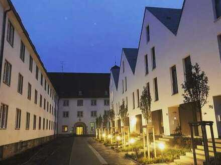 Tolle 2-Zimmerwohnung m.Poggenpohl Design-Einbauküche und großer Süd-Terrasse
