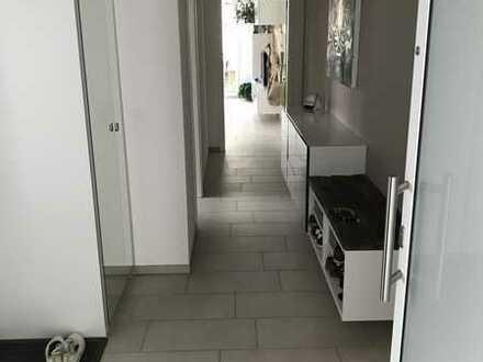 Neuwertige 2-Zimmer Wohnung mit Balkon und Einbauküche in Weilheim an der Teck